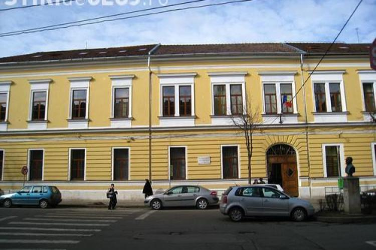 Elevii de la Racoviță și Șincai se mută în alte clădiri, tot în centrul Clujului: E fals ZVONUL mutării în Mărăști