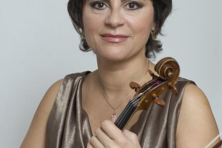Filarmonica de Stat Transilvania: Concert vocal-simfonic extraordinar sub bagheta dirijorului Gabriel Bebeşelea