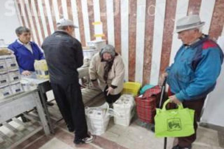 Scandal la Cluj-Napoca. Alimentele pentru pensionari s-au terminat, iar oamenii sunt trimiși acasă