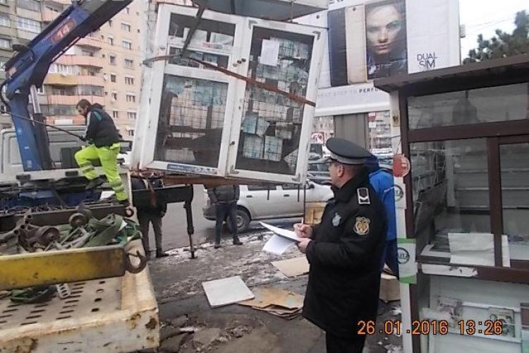 Se ridică chioșcurile de pe trotuarele Clujului