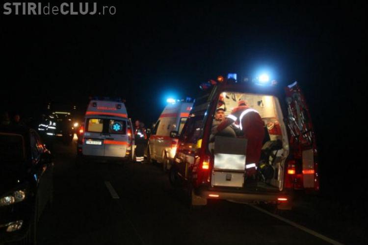 Accident GRAV în Gilău! Trei persoane au fost încarcerate