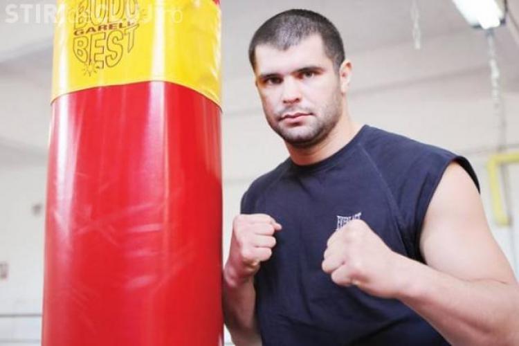 """Un partid din România a înființat brigada """"Patrula lui Vlad Tepes"""". Un luptător K1 face parte din patrulă"""