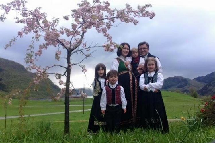 Comisia Europeană, sesizată după cazul celor 5 copii ai românului stabilit în Norvegia luați cu forța de stat