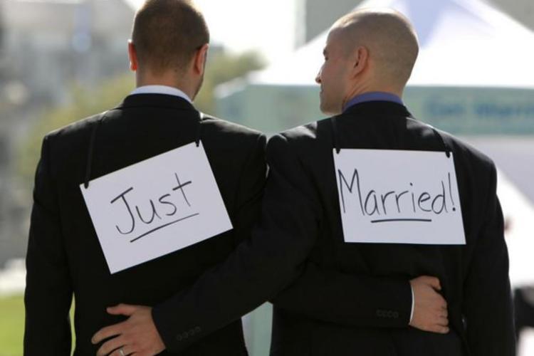 Biserica adună la Cluj semnături împotriva homosexualilor