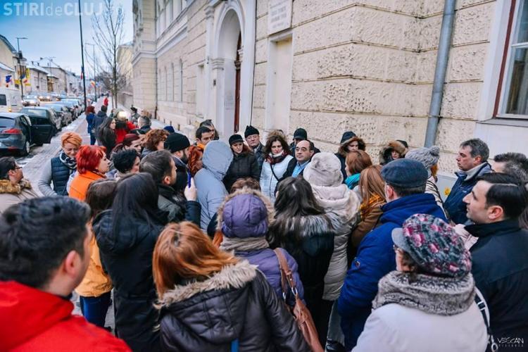 Părinții de la Liceul Gheorghe Șincai se opun mutării elevilor de la școala centrală. Urmează cei de la Emil Racoviță