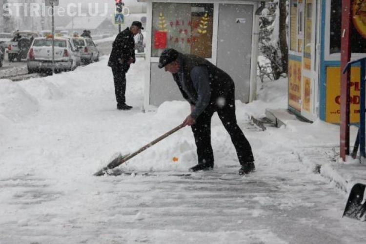 Primăria Cluj-Napoca a dat 500 de somații pentru necurățarea trotuarelor de gheață