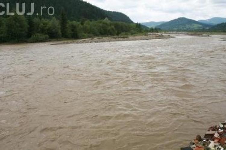 COD PORTOCALIU de inundații pe Someșul Mic. Clujul este afectat