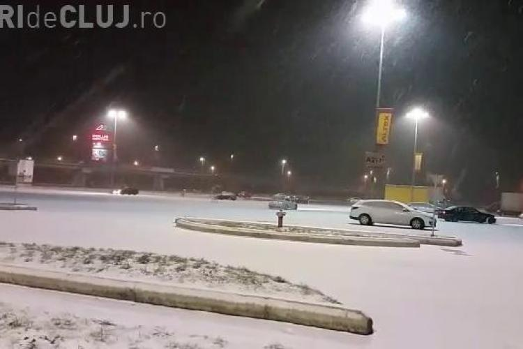 Inconștienți la volan! Fac drifting in parcarea de la Polus la ora la care mall-ul este deschis - VIDEO