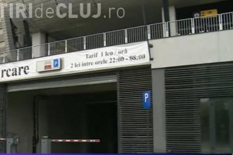 Pățania INCREDIBILĂ a unui șofer la parcarea Cluj Arena. De ce a ajuns să RUPĂ bariera