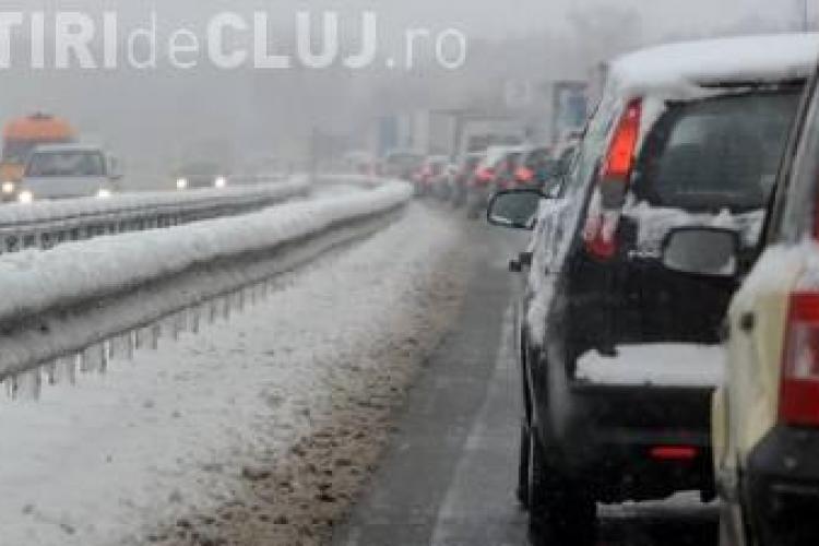 Circulația blocată la Căpușu, din cauza TIR-ului răsturnat. Vezi pe unde se ocolește