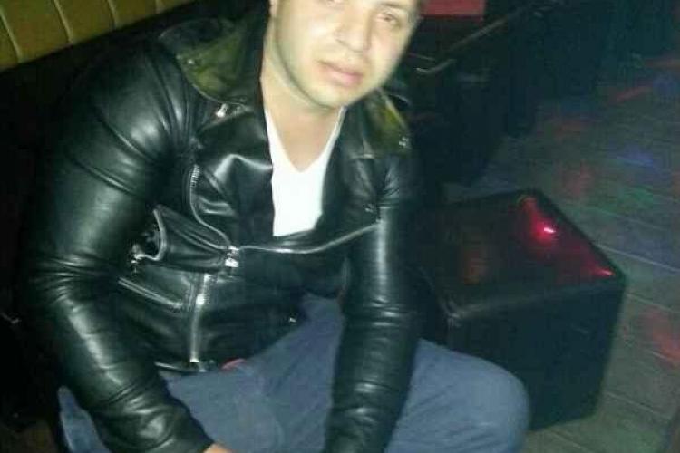 Clujean nevinovat, ÎNJUNGHIAT într-un club de manele într-o altercație a țiganilor - FOTO