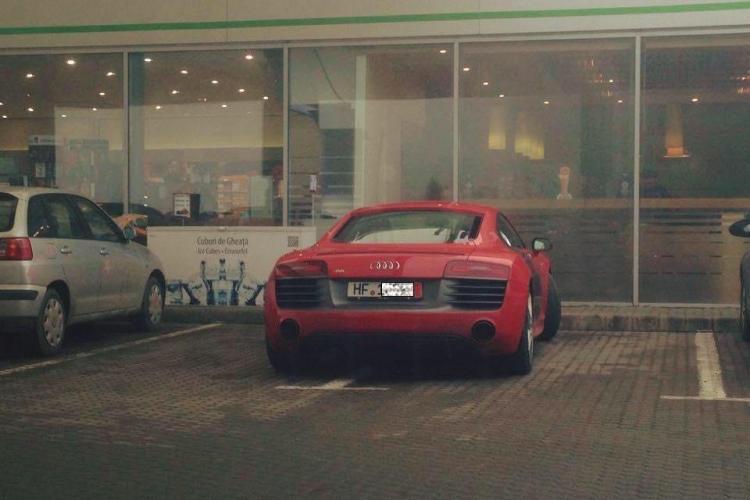 De ce parchează șmecherii la Cluj pe două locuri? - FOTO
