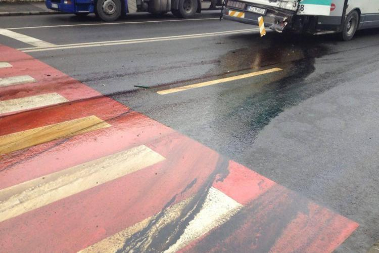 Accident lângă Autogara Beta cu ZECE RĂNIȚI! Un autobuz a fost lovit de o autocisternă - VIDEO