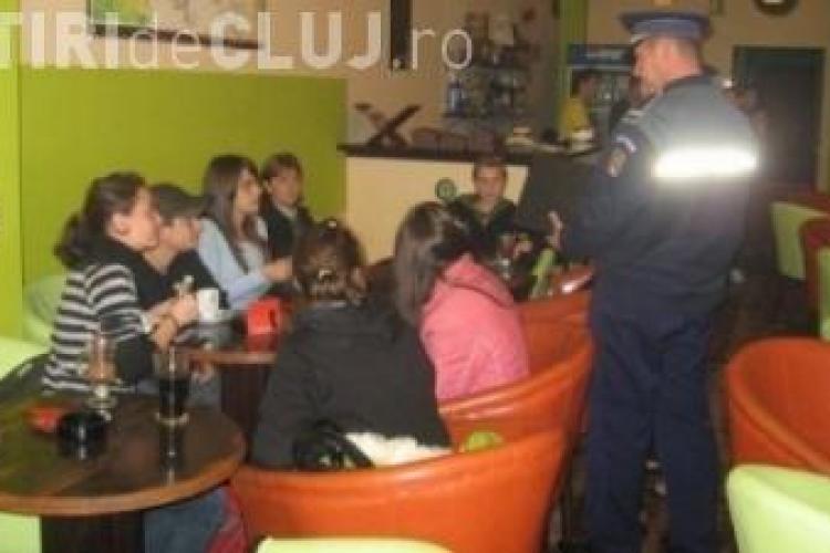 Elevi din Cluj-Napoca prinși în baruri în timpul orelor de curs