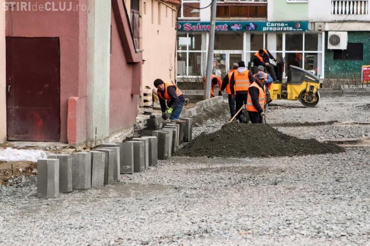 S-a reluat asfaltarea străzilor și aleilor din cartiere
