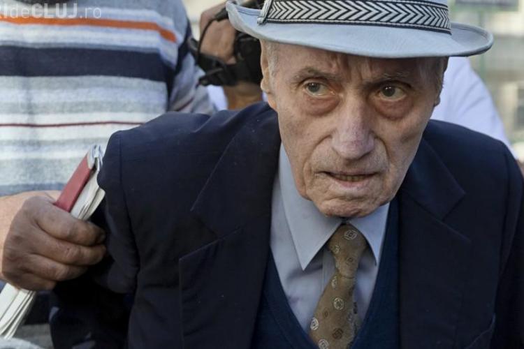 Primul torționar comunist a fost condamnat la 20 de ani de închisoare. Polițiștii l-au ridicat de acasă pe Vișinecu