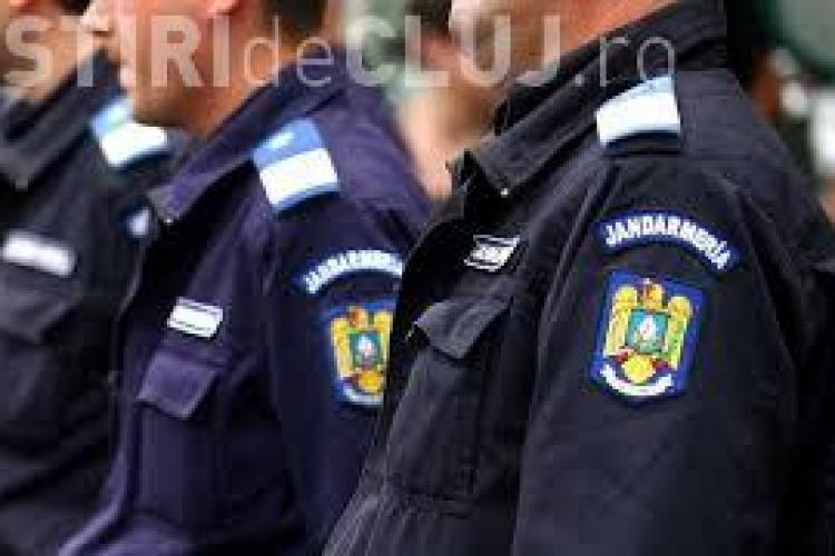 Cum muncesc unii jandarmi clujeni. Un bărbat a fost prins beat în timpul serviciului