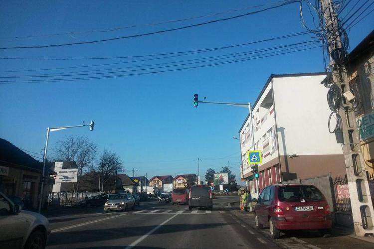 Se asfaltează trotuarele de pe strada Avram Iancu, din Florești