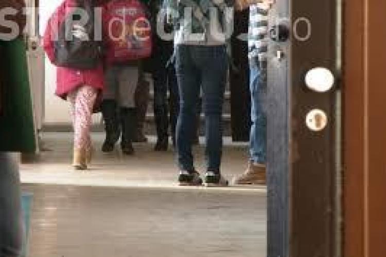Focar de hepatită A la o școală din județul Cluj. Problemele au pornit din comunitatea romă