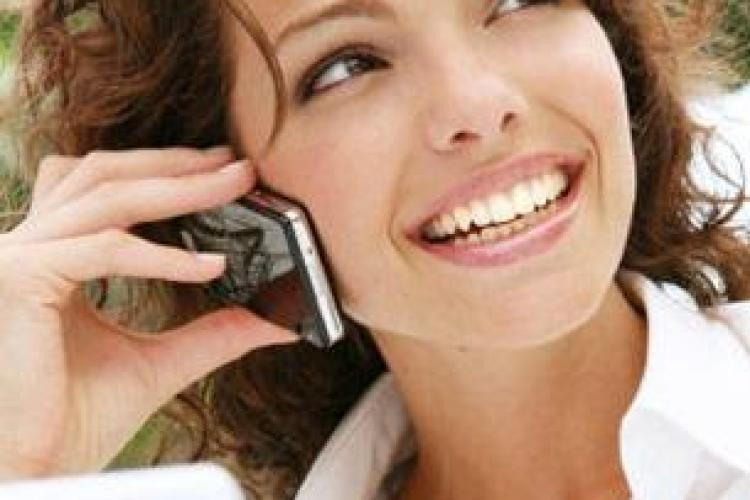 Cât vorbesc românii la telefon în fiecare lună și cât internet consumă de pe mobil