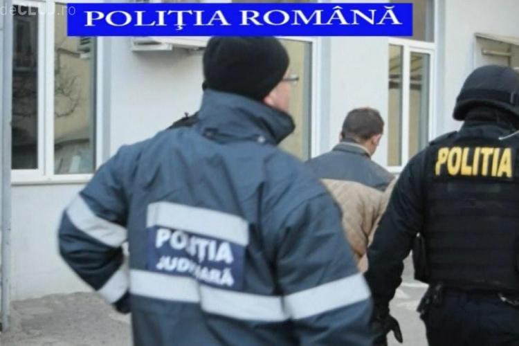 Bărbați reținuți de polițiștii clujeni pentru tentativă de omor! Au intrat peste o bătrână în casă, au bătut-o și i-au luat banii VIDEO