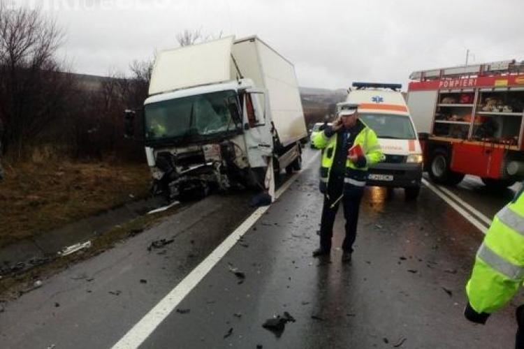 Accident tragic la Izvorul Crișului! Un șofer a murit FOTO