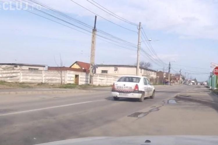 Politia rutieră Cluj-Napoca nu oprește la trecerea la nivel cu calea ferată - VIDEO