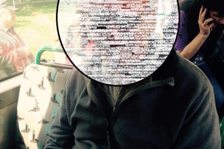 """Caz GRAV într-un autobuz din Cluj-Napoca. O tânără reclamă un bărbat care """"vânează"""" copiii singuri - FOTO"""