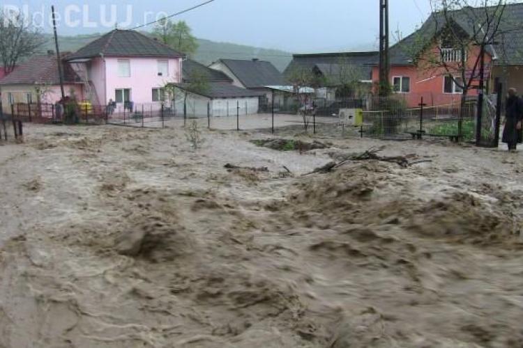 CLUJ: Inundațiile au făcut DEZASTRU în Dej și satele învecinate VIDEO