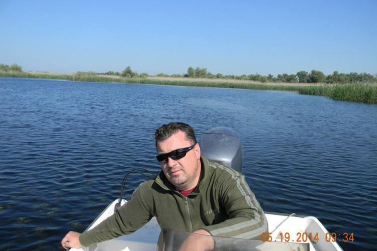 Dezvoltator imobiliar din Florești, dispărut în Deltă. S-a răsturnat cu șalupa. Excursia era de ziua lui de naștere
