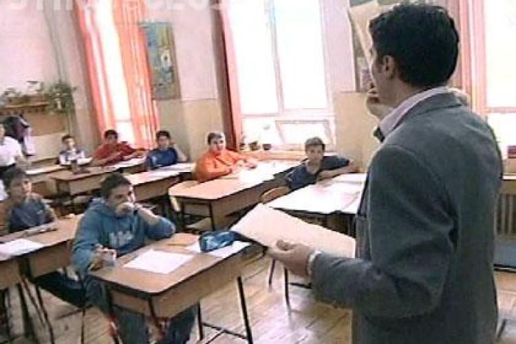 Un părinte i-a trimis profesorului o poză și a cerut învoirea fiului. După o zi, băiatul a fost suspendat