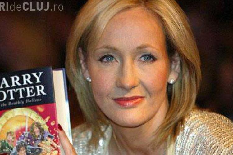 """Cu cât s-a vândut scaunul pe care a stat J.K. Rowling când a scris """"Harry Potter"""""""