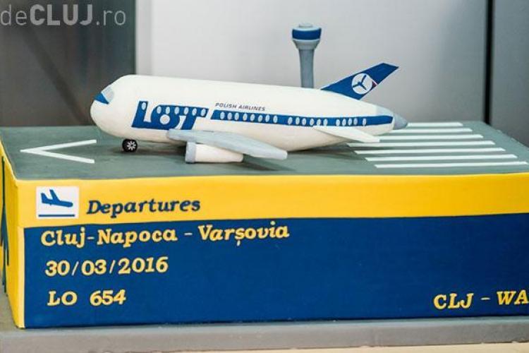 """Un tort făcut la Turda, pentru inaugurarea zborului Cluj-Napoca – Varșovia, a câștigat """"Cake of the Week"""" - FOTO"""