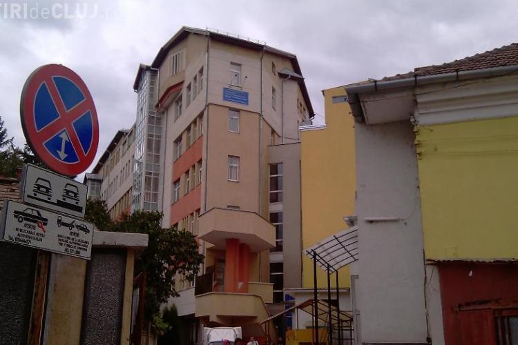 Spitalul de Copii Cluj a primit o ambulanta de transport pacienti, in urma unei campanii derulate de Fundatia Parinti Clujeni