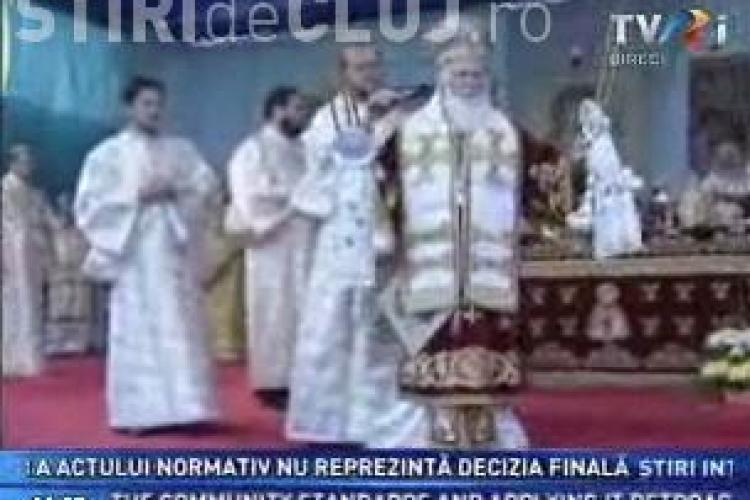Romania fierbe, iar TVR transmite o slujba religioasa! - VIDEO