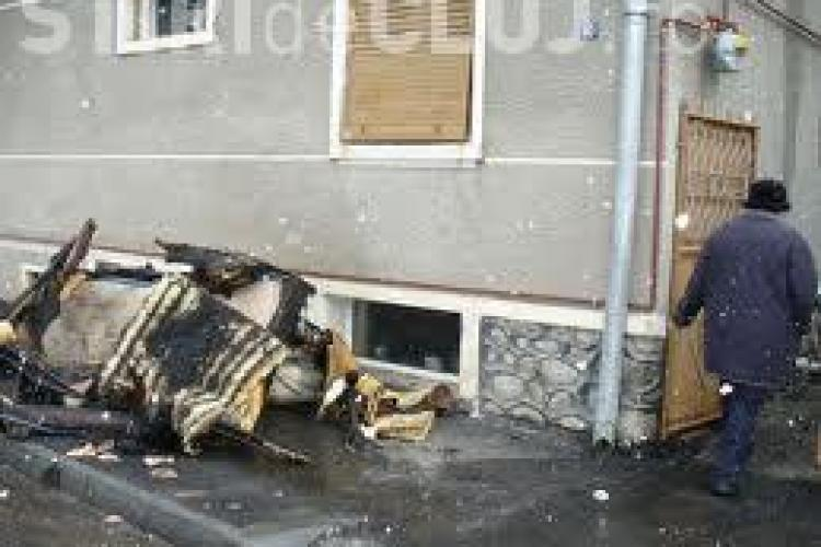 Incendiu pe strada Constantin Brancusi! O mansarda a luat foc - FOTO
