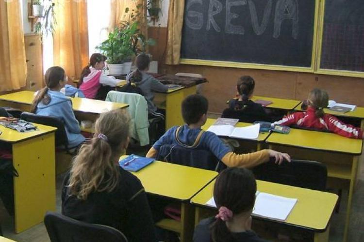 Profesorii din Cluj nu isi tin joi orele! Cadrele didactice protesteaza fata de asumarea Legii educatiei
