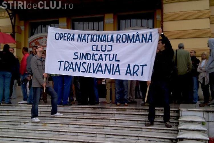 Greva generala de la Opera Romana din Cluj a durat numai 2 ore! Artistii sunt in greva japoneza acum