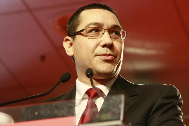 Ponta: Parlamentarii PDL primesc 60.000 de euro de la Guvern, daca nu voteaza motiunea