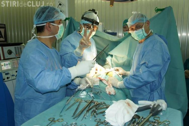 Chirurgul clujean Dan Nicolau, singurul medic român care operează cu laser metastaze pulmonare, EXILAT de sistem în Ungaria