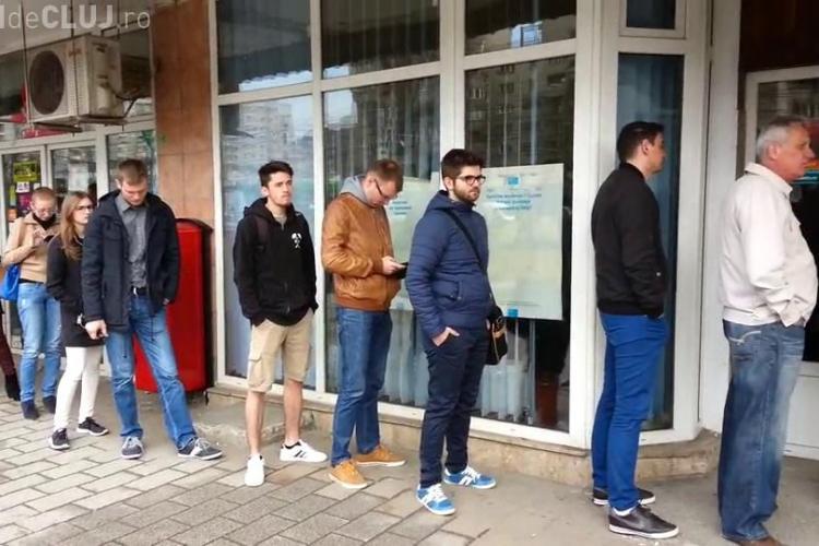 """Cozile sunt la ordinea zilei la Oficiul Vamal Cluj. """"Pe angajați îi doare în cot de noi""""  - VIDEO"""
