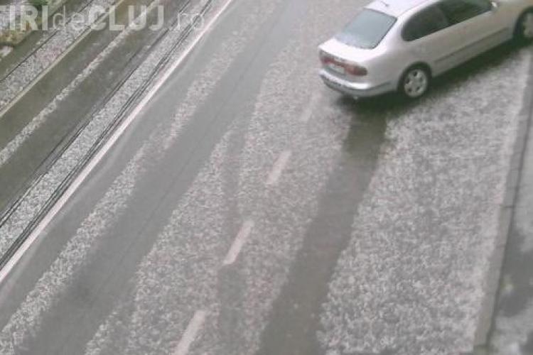 Grindină cât oul la Cluj. S-a rupt cerul - VIDEO