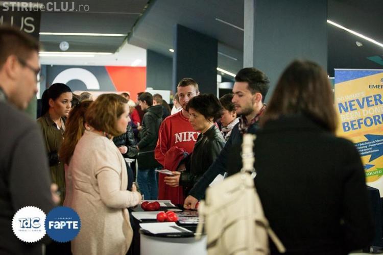 De ce își schimbă românii locul de muncă și ce îi motivează la serviciu - STUDIU