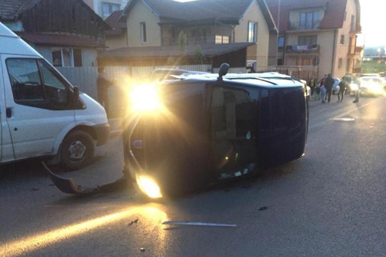 Un șofer mort de beat s-a răsturnat în cartierul Mărăști! Conducea o mașină de la Curtea de Conturi - VIDEO