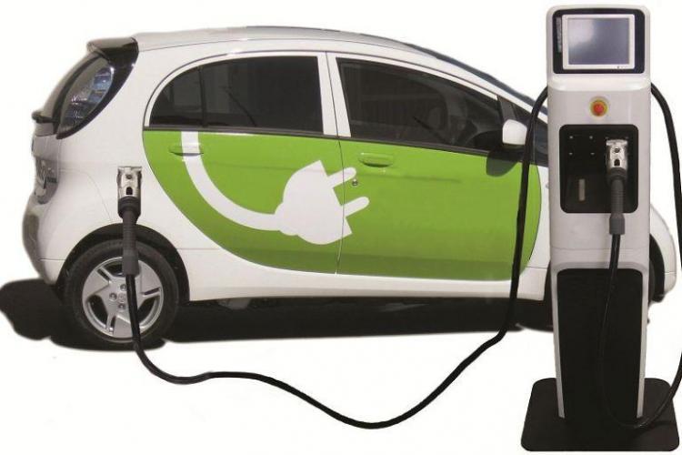Mașinile electrice pot circula la Cluj-Napoca și pe benzile dedicate NUMAI autobuzelor