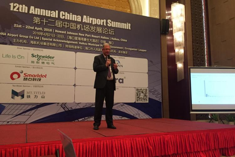 """David Ciceo, directorul general al Aeroportului Cluj, invitat în calitate de speaker la """"Annual China Airport Summit"""""""