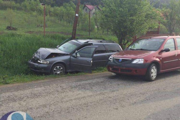 Un șofer clujean, de 74 de ani, a cauzat un accident rutier și a ajuns la spital FOTO