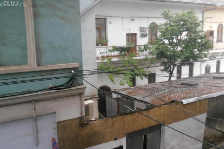 Rupere de nori la Cluj! Grindina a căzut în tot orașul - VIDEO