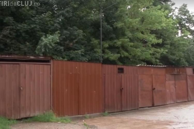 Se DEMOLEAZĂ primele garaje în Mănăștur. În locul lor se va face un parking cu 410 locuri