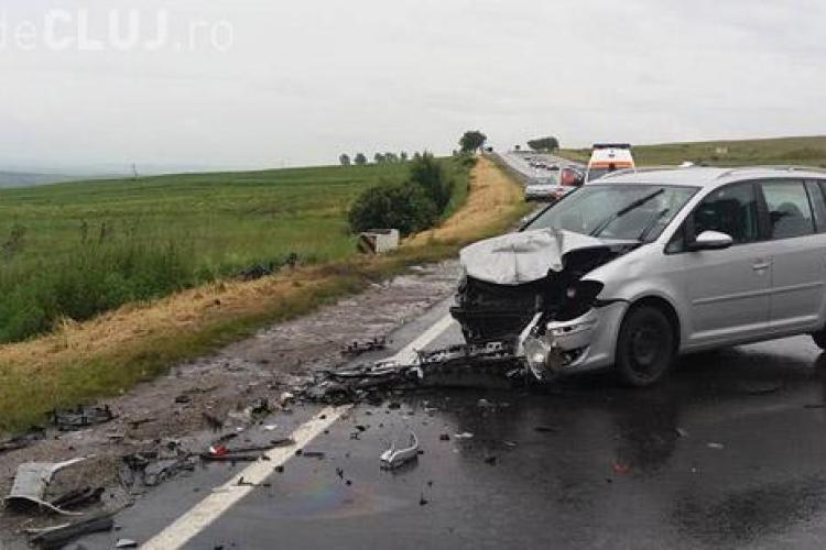 Accident GRAV pe ruta Cluj - Turda. O mașină s-a rupt în două